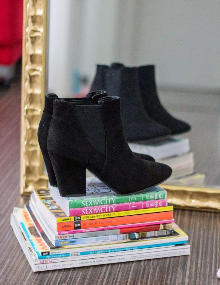 Fashionable Streets: #blackbooties #shoes #fashion
