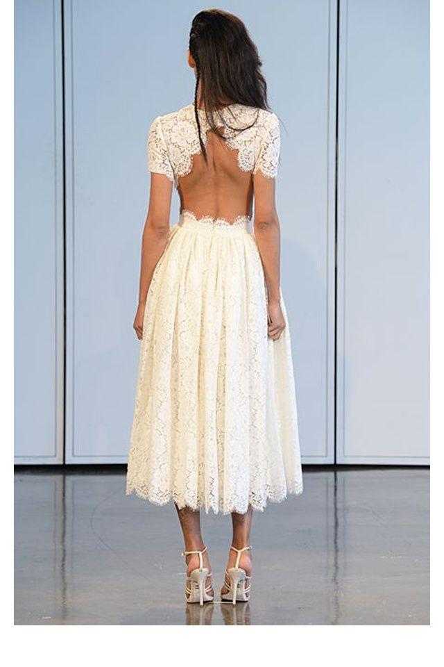 Une robe festonnée
