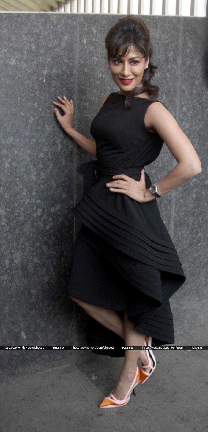Chitrangada Singh was stunning in a black Gauri and Nainika ruffle dress  when she launched the Filmfare calendar http://ndtv.in/1kvX62R