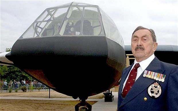 Jim Wallwork - first Horsa Pilot Dies at 93 - www.telegraph.co.uk