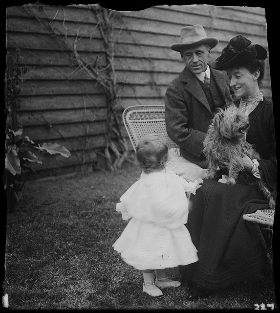 Banjo Paterson with wife Alice and daughter Grace, ca. 1900-1912, by Lionel Lindsay by State Library of New South Wales collection, via Flickr