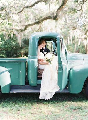 Wedding Photo Vintage Car Photo By Landon Jacobs