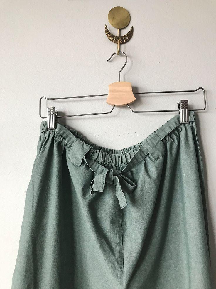 Sage Cotton Pants_Waist_Flopsy Life.JPG