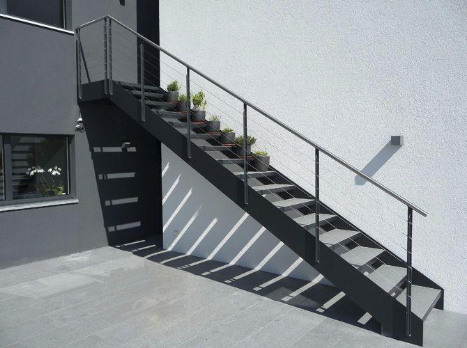 Escalier m tallique ext rieur recherche google jardin - Garage exterieur metal ...