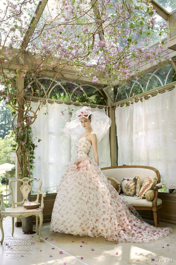 the dress is great but the outdoor room is AMAZING!  did you see the canopy??: Wedding Dressses, Fashion, Style, Wedding Dresses, Weddings, Has, Floral