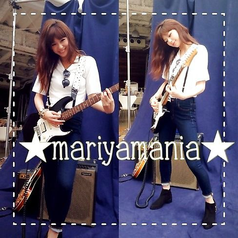 ST毎日コーデ:「こんなカンジのシンプルなコーデ、最近の気分♪ ギターは私物。福岡時代、知り合い… Seventeen(セブンティーン)