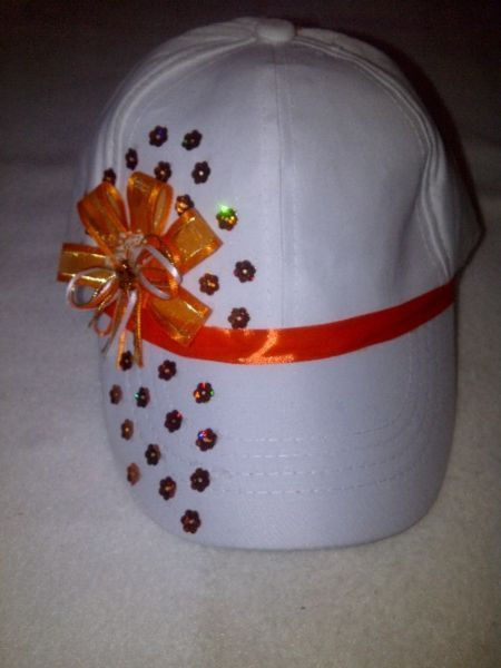 gorra para niña anaranjada