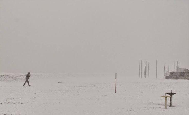 La spiaggia di Milano Marittima con la neve