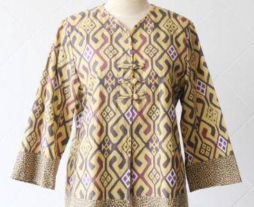 (5)-Eminence-Batik-Batik-Tulis-Cirebon-05-550x550