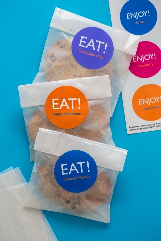 Great packaging idea for home baked cookies. Use Avery 22830 round labels and…