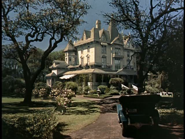 """Aunt Polly's house, from the 1960 """"Pollyanna""""; interestingly, this house doesn't really exist but I have loved it as if it did for more  than 50 years now!Aunts Polly, Movie House, Victorian House, House In Movie, Favorite Places, Pollyanna Movie, Hayley Mills, Favorite Movie, Disney Movie"""