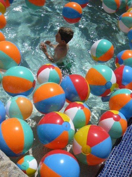pool party. party-ideas