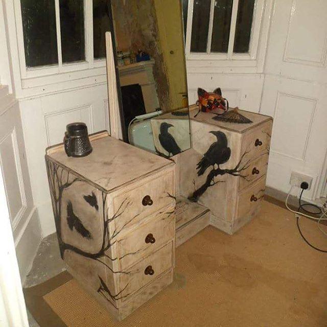 #nevermore #raven #birds #furniture #dressingtable #poetry #edgarallanpoe  #trees
