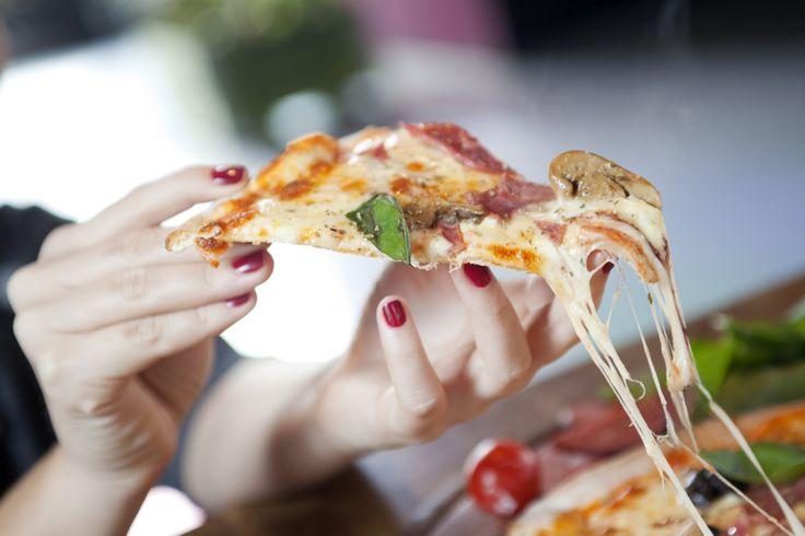 Premierben a pizza: így készítsd el villámgyorsan! | Mindmegette.hu