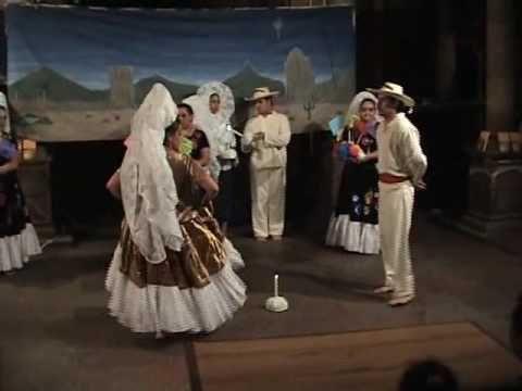 "▶ Baile folklorico mexicano danzas tehuanas ""Sandunga"" la Llorona "" - YouTube"