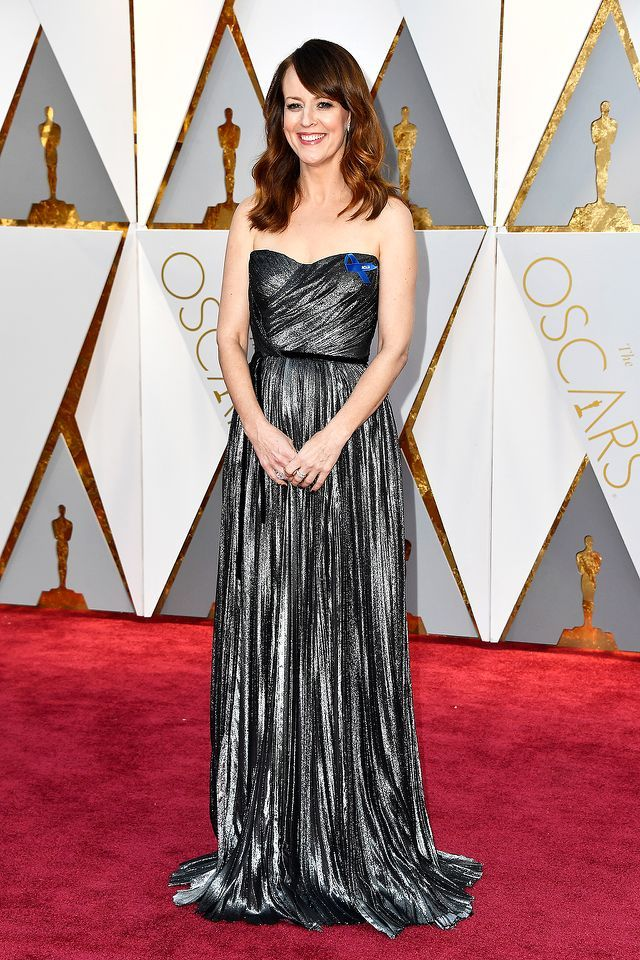 #oscarfashion Actor Rosemarie DeWitt attends the 89th Annual Academy Awards at Hollywood & Highland Center on February 26, 2017 in Hollywood, California. (Photo by Frazer Harrison/Getty Images) </p>
