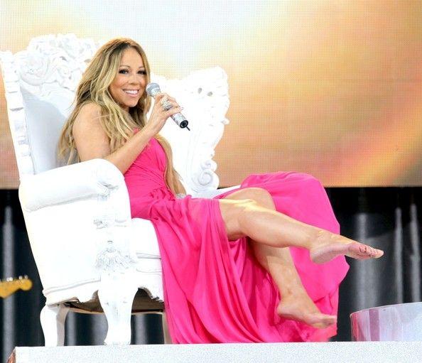 Mariah Carey Photos Photos Mariah Carey Performs On Gma Mariah Carey Dress Pretty Celebrities Mariah Carey Photos