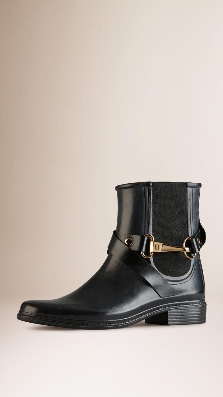 17 meilleures id es propos de bottes de pluie femme sur pinterest bottes pluie femme bottes. Black Bedroom Furniture Sets. Home Design Ideas