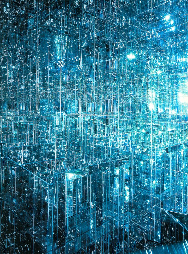 New mirrored infinity room by Lucas Samaras immerses viewers in mesmerizing world of endless reflections. #art #installation