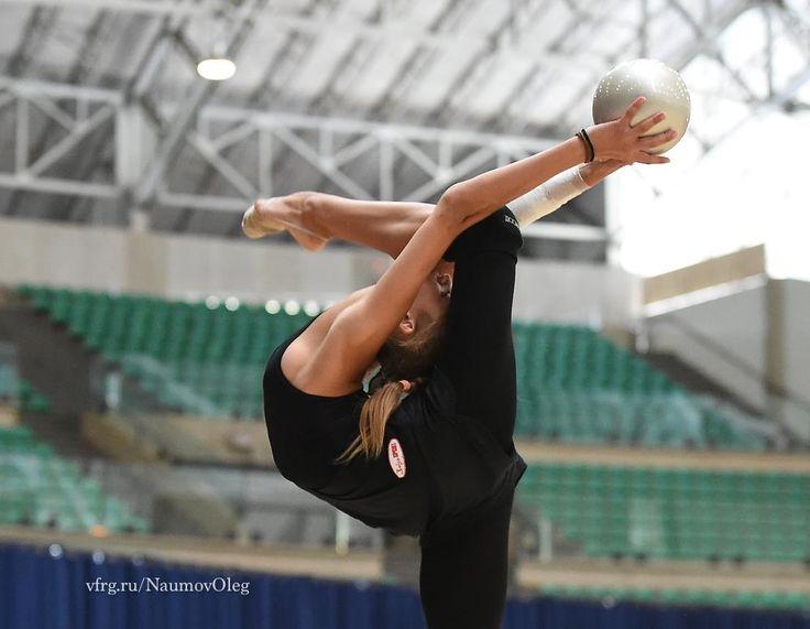 Alexandra SOLDATOVA (Russia) ~ Training Ball @ OG RIO DE JANEIRO-BRASIL 2016 Photographer Oleg Naumov.