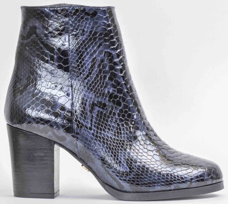 Ankle boot marine snake