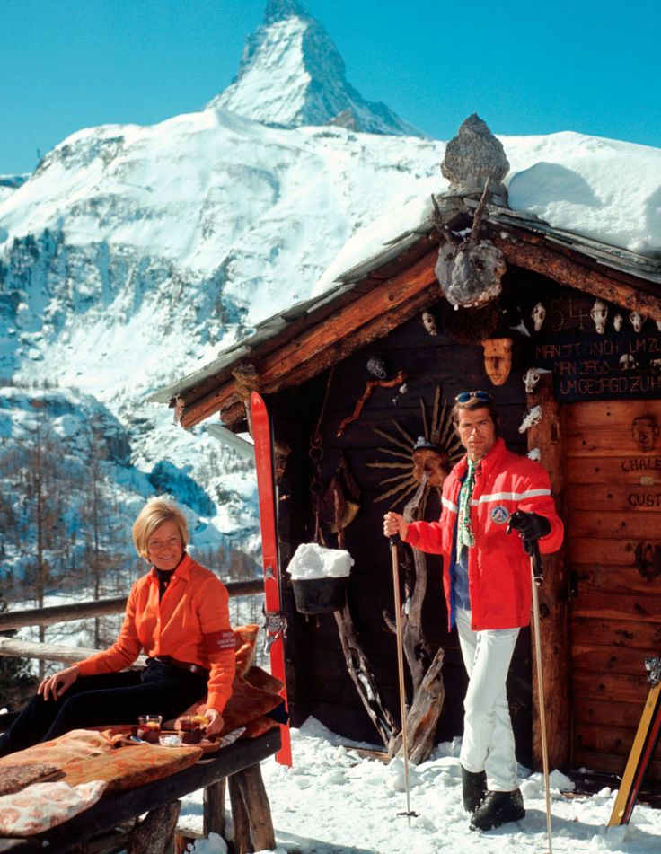 Skiers outside the Chalet Costi in Zermatt, 1968. Photograph by Slim Aarons.