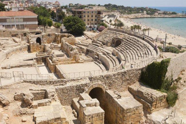 Los restos arqueológicos de #tarraco  fueron declarados #patrimoniodelahumanidad en el año 2000. La actual #tarragona fue una ciudad administrativa y mercantil de gran importancia en la #españa romana y centro del culto imperial para todas las provincias ibéricas.