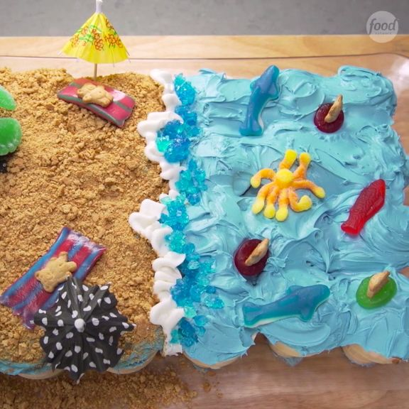 Bring the beach to your home with Pull-Apart Beach Cupcakes!