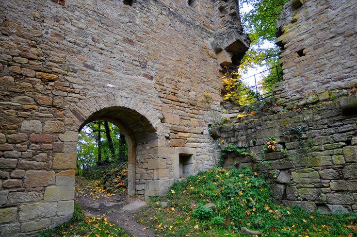 the ruins of hildegard von bingen 39 s first cloister. Black Bedroom Furniture Sets. Home Design Ideas