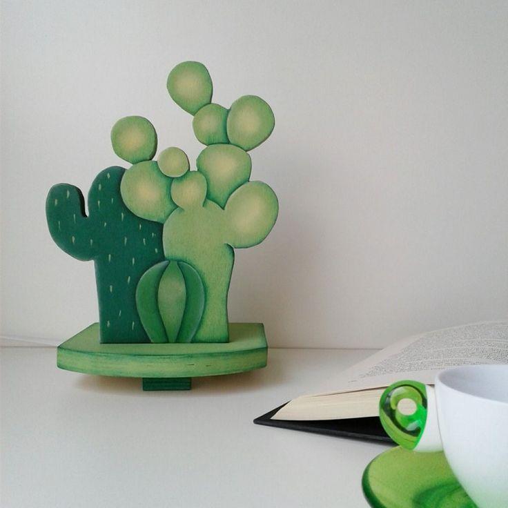 lampada da tavolo in legno dipinta a mano : Lampade di feltri-amo