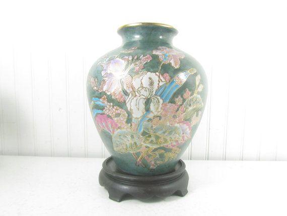 ♠※ Asian vase and stand, #vintage vase ,Asian design, #ceramic vase, floral... Check it http://etsy.me/2pbU8Gf