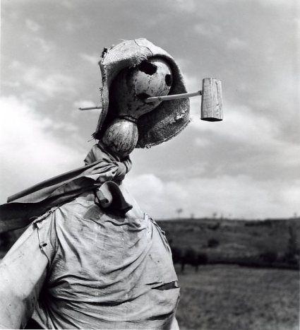 Robert Doisneau - Ardèche, 1953 - Epouvantails series