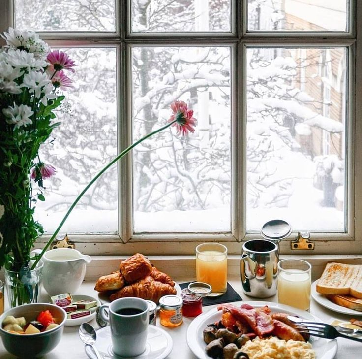 фото кофе весной у окна чистота натуральные материалы
