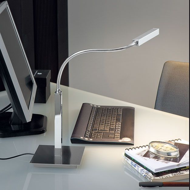 Airo  Descrição: luminária de mesa LED cod. B090215. Metal com haste frexível e interruptor no refletor, incluso led 3000K e fonte bivolt.  Medidas: base 14,5 x 14,5cm haste 2 x 2 x 75cm  Cor: romada  Lâmpadas: 1x4,2w Led. Consumo: 4,2w  Design by: Daifuku Designs