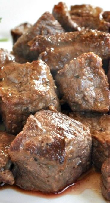 Steak Bites ~ Steaks always make the tastiest and the heartiest entrées, and if you want to make the usual dinner meal much more comforting and filling, this recipe will totally hit the spot!
