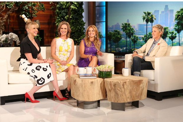 WATCH: 'Ellen' Offers Exclusive First Look at 'Fuller House' Trailer