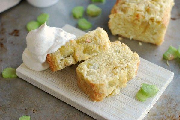 Glutenfri rabarberkaka med smak av mazarin, utan tillsatt socker //Baka Sockerfritt