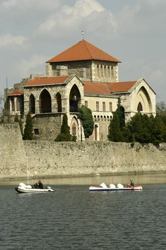 Castle Tata , Hungary