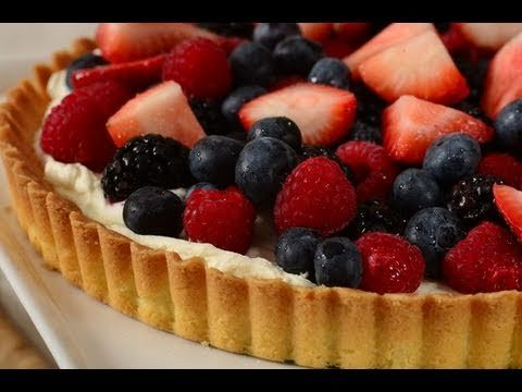 Easy Fruit Tart Recipe Demonstration - Joyofbaking.com  Mary makes this and it's soooooo good.  Love it with fresh peaches in the mix!