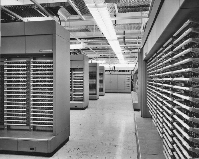 a history of the modern computers and computer science This course focuses on one particular aspect of the history of computing:  on the use of computers in  computer science history  modern.