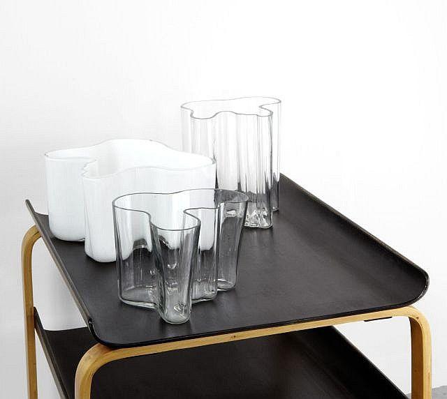 Alvar AALTO (1898 - 1976) Ensemble de trois vases