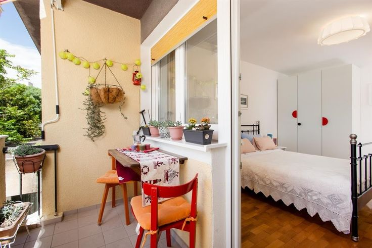 10minutes2old town, Corto Maltese apartment. in Split, Croacia.