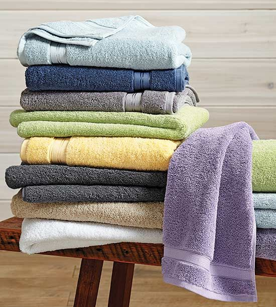 Believe it or not, there is an actual right way to wash your towels. These helpful tips will keep your towels looking and feeling like new even after several washes.