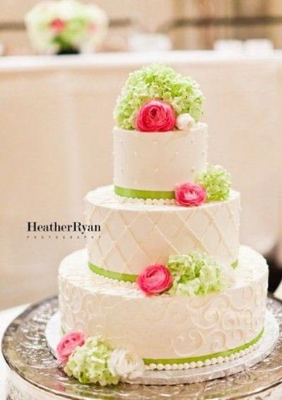 Simple Buttercream Wedding Cakes | Simple and elegant buttercream design, love pink and green together.
