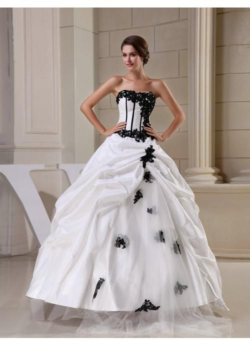 Best 124 BLACK + WHITE wedding dresses ideas on Pinterest   Short ...