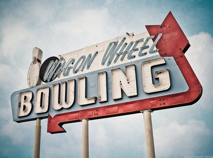679 best Neon/Signs images on Pinterest | Vintage neon signs ...