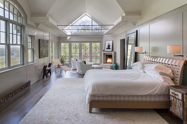 Bruce-Willis-master-bedroom