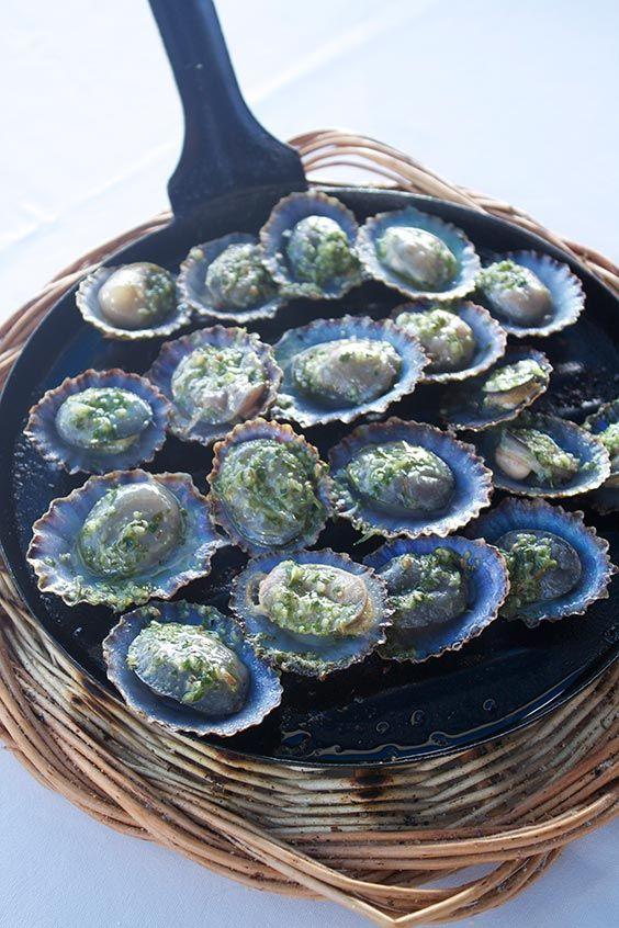 Lanzarote's food - Lapas with mojo verde