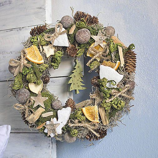 Christmas wreath, ginger breads, christmas tree, moss, tilandsia, natur decor