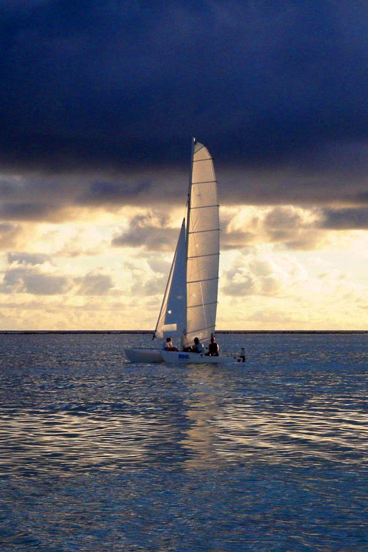 Sunset Sailing in Maldives - Segeln in den maledivischen Sonnenuntergang